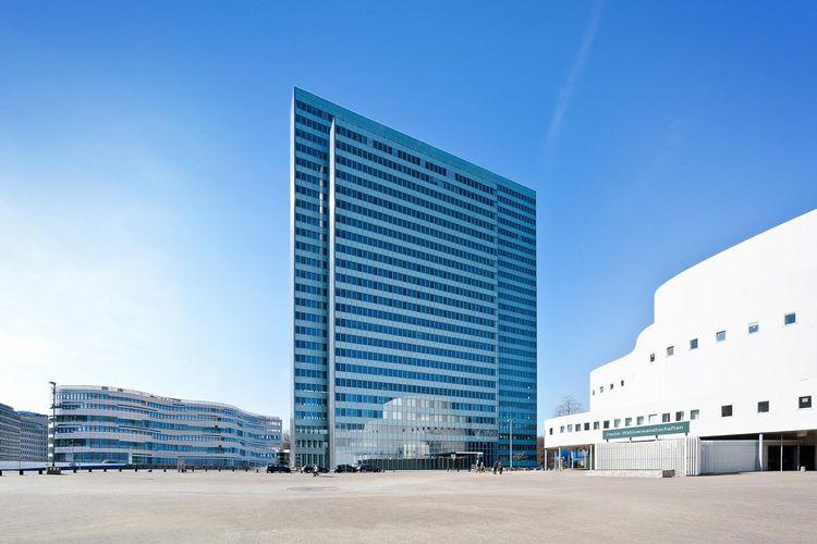 External elevation Dreischeibenhaus Düsseldorf